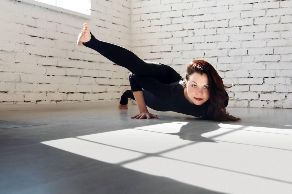 Оксана Шестопалова. Інструктор Української Федерації Йоги