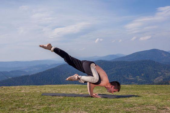 Йога на природі